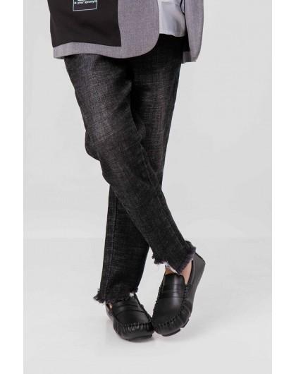Джинсы с дизайнерским вырезом на штанинах JO JO