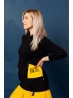Толстовка с желтым карманом и иероглифами JoJo