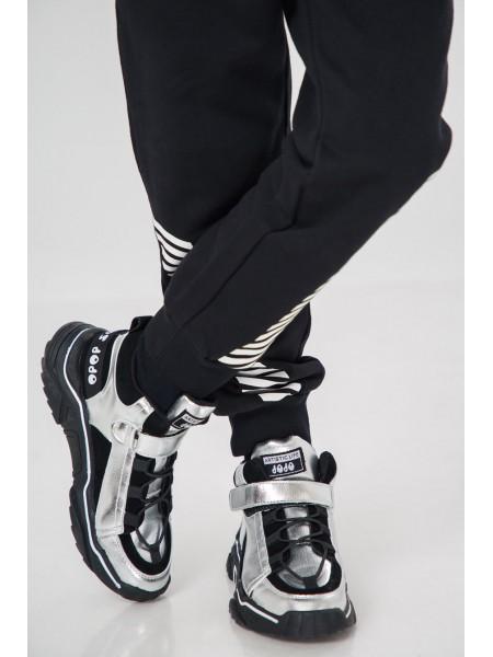 Кроссовки серебристые с замшевыми вставками JOJO